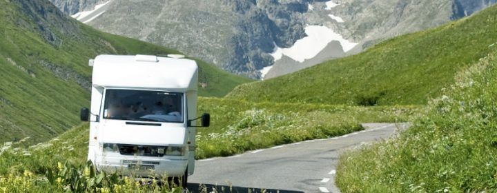Driving in the mountains: how should you do that?