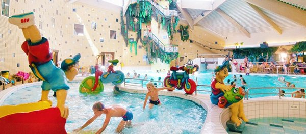 Subtropical swimming paradise Oostappen Holiday Park Prinsenmeer
