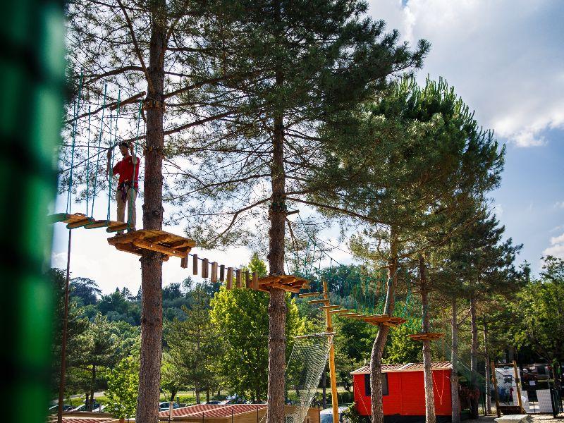Treetop climbing course at Village Norcenni Girasole campsite